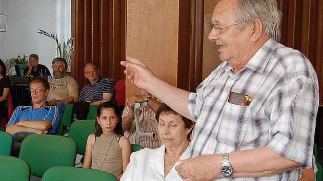 Jeden z občanů, který vystoupil se svými připomínkami byl i Václav Bulíček, který žije na Zahradní.