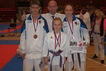 David Roubím, Kristýna Tesařová, Babeta Dlouhá (zleva) a trenér Josef Patík.