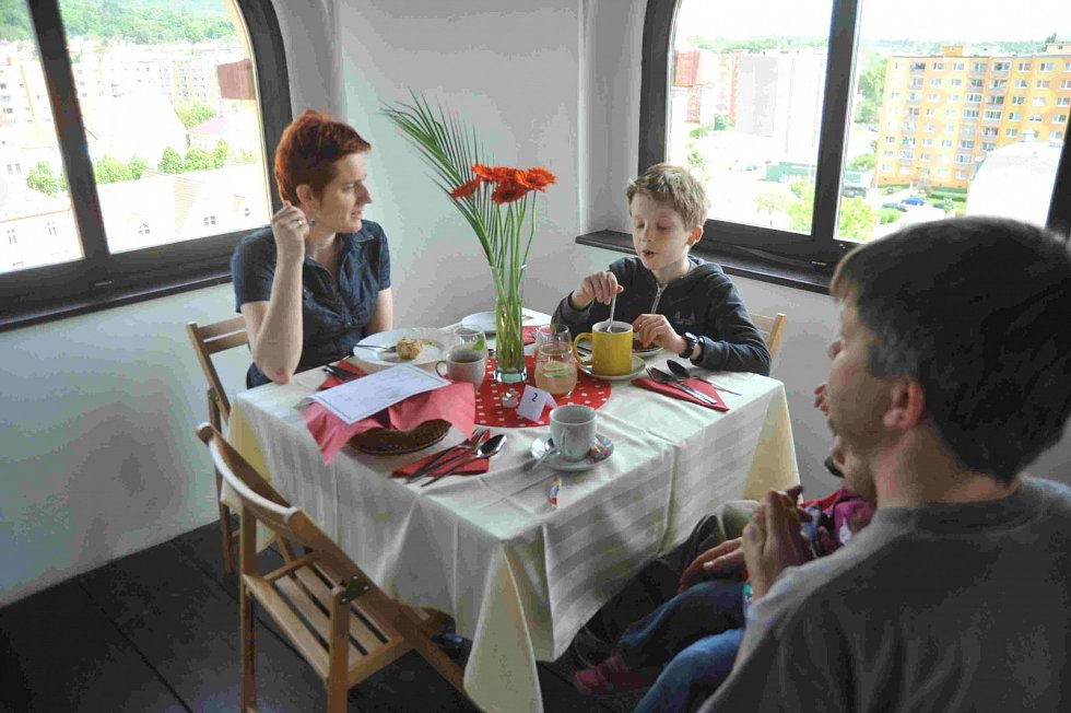 Kavárna v jirkovské věži.