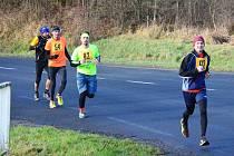 Obtížný závod přilákal více něž 105 mužů a žen.
