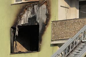 Požár bytu v paneláku na sídlišti Kamenná v Chomutově