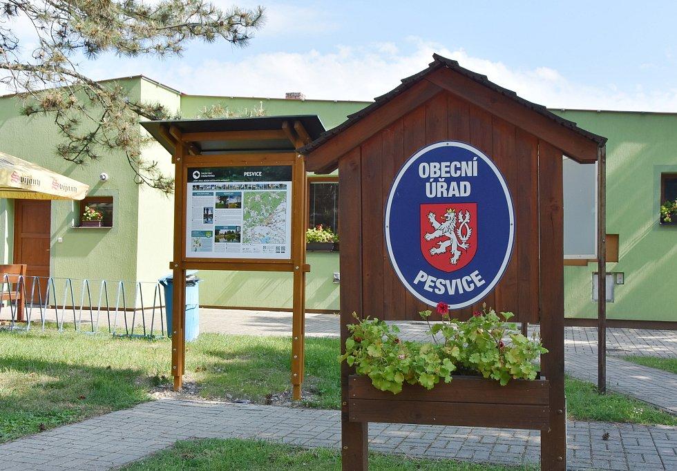 Obecní úřad v Pesvicích.
