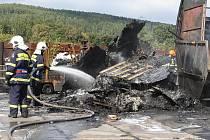 Škoda byla předběžně odhadnuta na milióny korun.