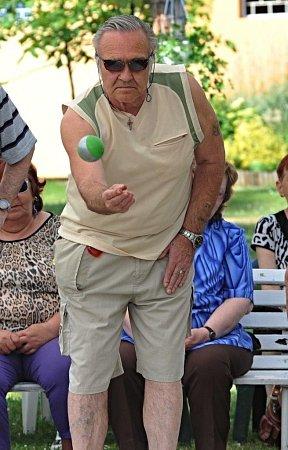 Seniorský víceboj vChomutově.