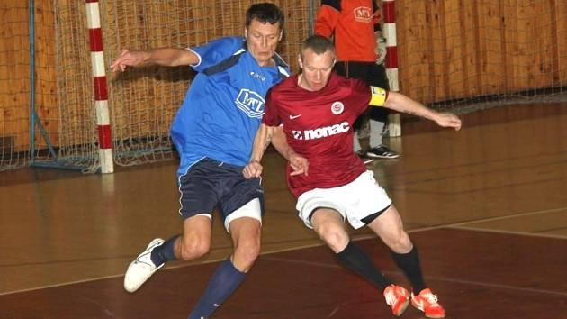 Zimní ligu CHLMF o víkendu dohrála závěrečným kolem také čtvrtá zimní liga.