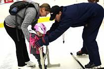 KOZA RÓZA zahájila Rodinné zápolení na ledě.