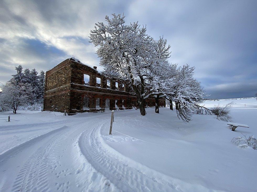 Bývalé rosírna (máčírna) lnu nedaleko Křimova u Chomutova, která je vyhledáváným turistickým cílem po celý rok. (14.2.2021)
