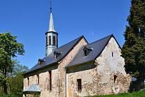 Výsluní podpoří opravu kostela ve Volyni. Před několika lety opravili kostelu střechu, teď přišla řada na fasádu.