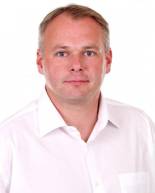 Marek Hrabáč - ANO 2011, 41let, výrobní ředitel. Lídr chomutovského ANO 2011, vzastupitelstvu bude poprvé.