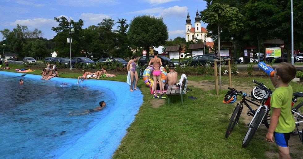 Koupaliště ve Březně u Chomutova v sobotu 24. července