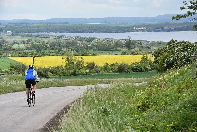 Kolem Nechranické přehrady je řada cyklotras.