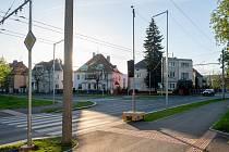 V Čelakovského ulici s křižovatkou Zborovské vzniká nová světelná křižovatka. Foto: