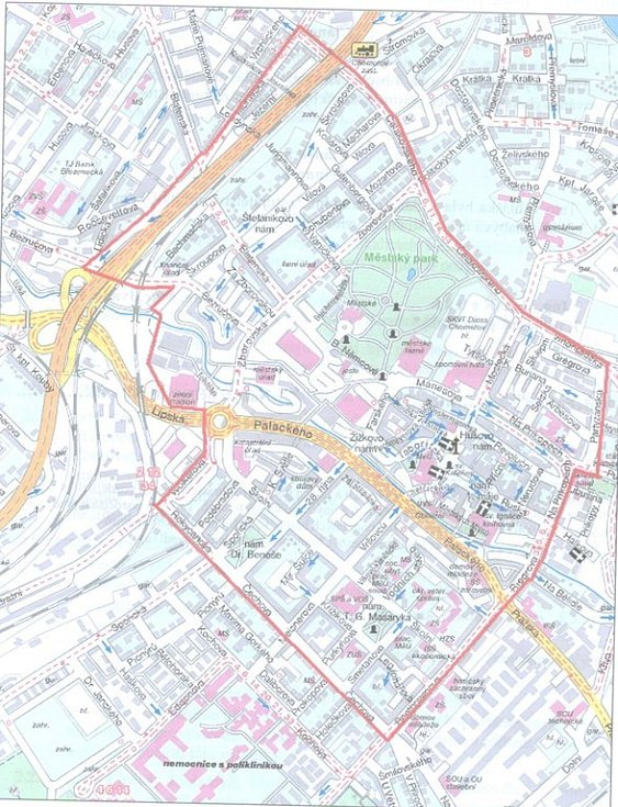 Mapa znázorňující území, kde je zakázán provoz výherních hracích automatů (vymezené červenou linkou) - střed města.