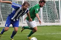 Milan Grubiša (vpravo) patřil v prvním poločase k nejaktivnějším hráčům.