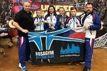 Úspěšný reprezentační tým z Kadaně - zleva: Jansa (trenér), Tomaško, Jansová, Masáková, Buňat, Černý (trenér).