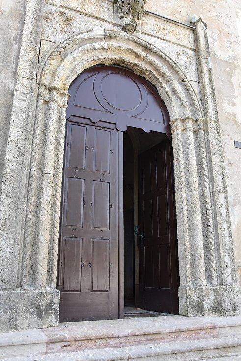 Vstup do kostela sv. Václava.