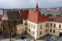 Budova radnice v Chomutově.