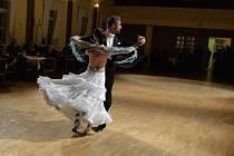 V Kadani vystrojili reprezentační ples, kam pozvali hvězdné hosty.