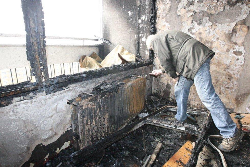Vyhořelý byt.
