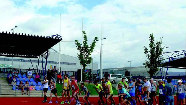 Letošního ročníku Chomutovské hodinovky se zúčastnilo 29 atletů.