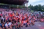 Chomutovské letní kino ovládl v sobotu druhý ročník Romského festival. Celým dnem provázel redaktor ČT Richard Samko.