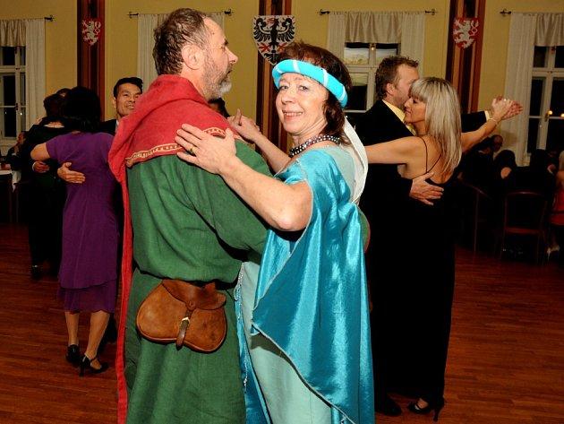 Městský ples Kadaň pro Karla IV.