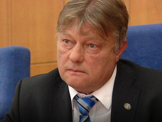 Chomutovský soudce Ivan Novák, kterého policisté zatkli kvůli přijetí úplatku.