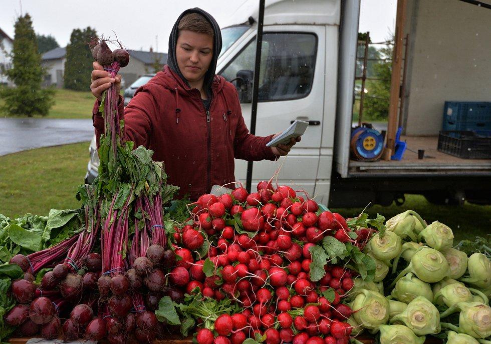 Farmářské trhy v Okoříně.