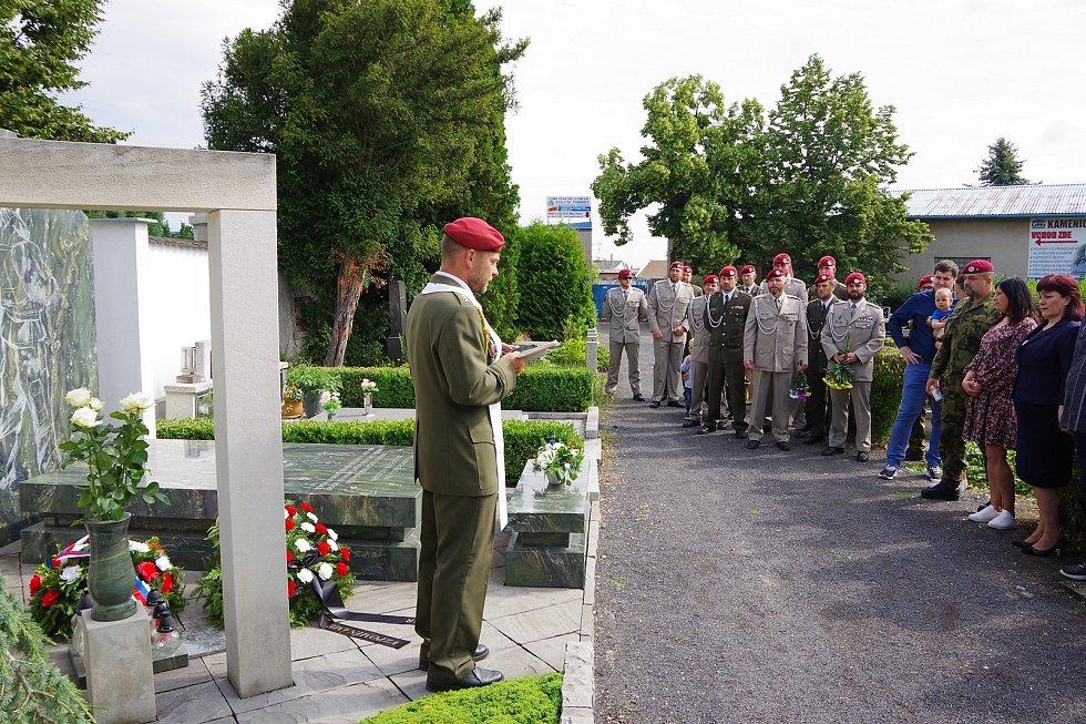 Na chomutovském hřbitově vzpomínali na padlé žatecké vojáky