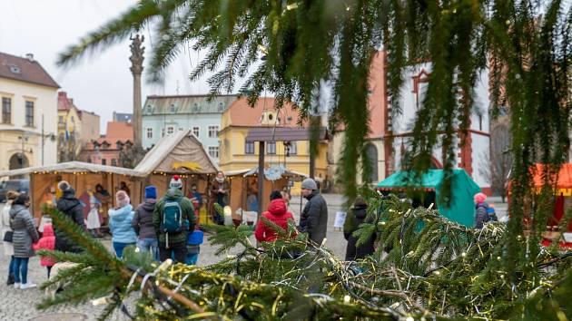 Dnes jsou na náměstí 1. Máje v Chomutově Staročeské Vánoce.