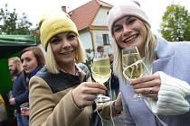 U kostelíka ve Stranné proběhlo vinobraní zdejších vinařů.