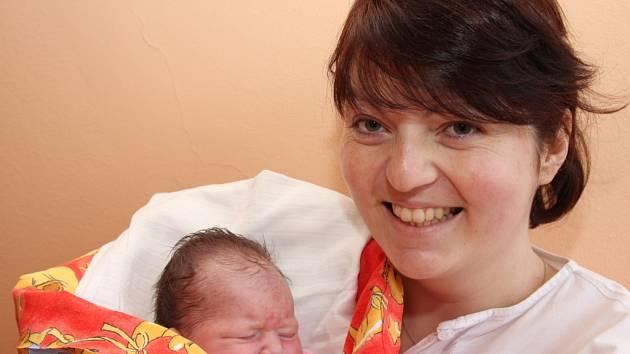 Pavlína Windischová z Kovářské, narozena 31.1. 2008 v 11.40 hodin v Kadani. 49 cm, 3,400 kg s maminkou Pavlínou Windischovou.