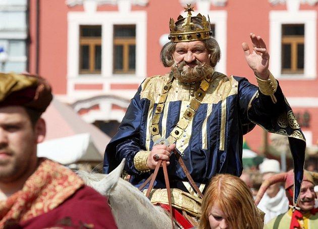 Zlatým hřebem byl příjezd Karla IV. s početnou družinou
