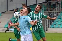 Chomutov (v modrém) si doma v derby podal Louny.