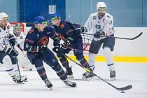 Hokejisté Litoměřic (v modrém) vybojovali v Šumperku bod.