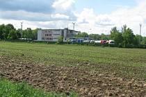 Pokud je cena pozemku neobvykle nízká, nechává město údajně zpracovávat nový znalecký posudek