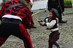 Na zámku Červený Hrádek hodovali jako ve středověku. Nechyběla ani pohádka o Šípkové Růžence.