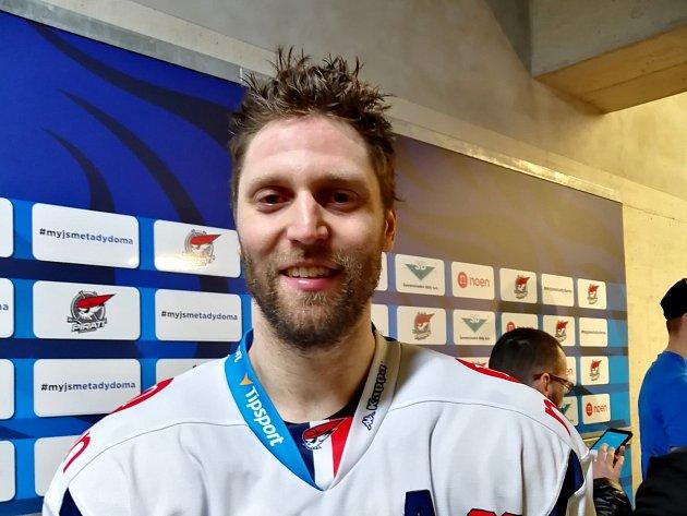 Současně nejproduktivnější hráč Pirátů Vladimír Růžička.