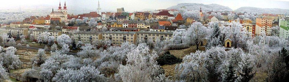 ZIMA. Panorama Kadaně v zimě.