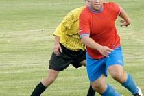 ZKUŠENOST PROTI MLÁDÍ. Strupčice si v posledním přípravném zápase poradili s mladými hráči AFK LoKo Chomutov.