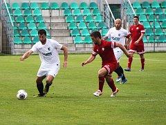 Josef Čížkovský (vlevo) vstřelil v 63. minutě  nádherný gól.