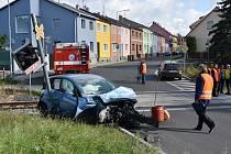 Nehoda na přejezdu v Kmochově ulici v Chomutově