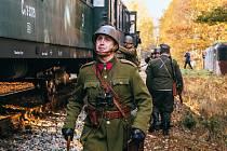 Vyjížďku historického vlaku zpestřila vojenská akce.