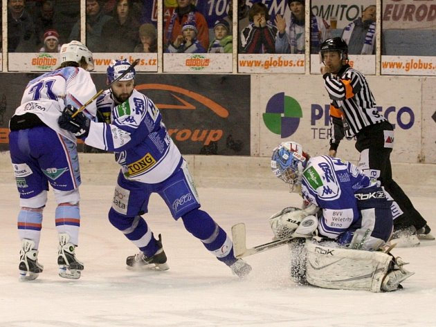 Snímek z utkání KHL Chomutov s týmem z HC Kometa Brno.