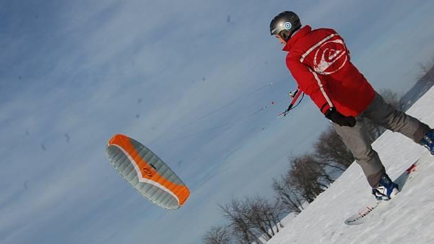Snowkitting v Krušných horách.