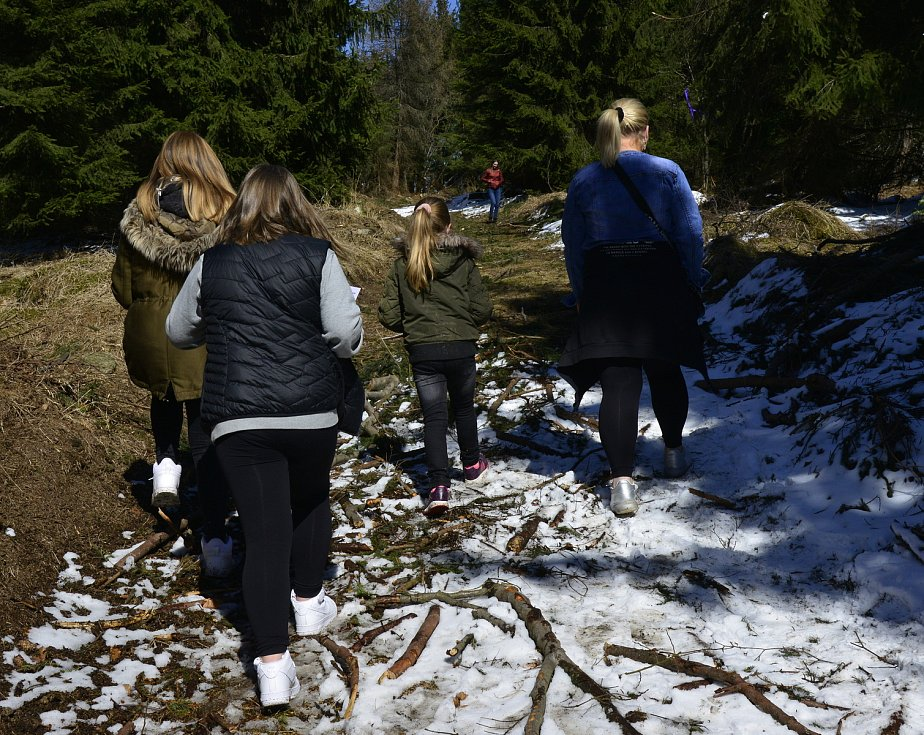 Na Lesné se vydali za zajíčkem Matějem. Užívají si netradiční Velikonoce