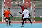 Utkání futsalistů FC Jirkov 2000 proti FC Viet Chomutov (v bílém)