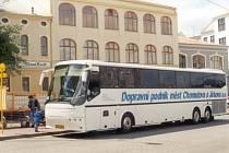 Autobus dopravního podniku.