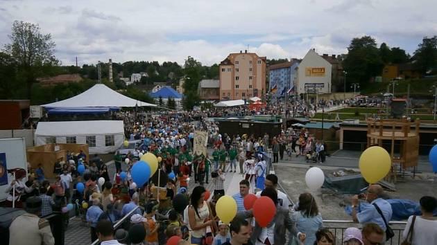 Slavnostní otevření společného náměstí Vejprt a Bärensteinu.