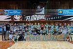 Navzdory hráčské rivalitě se česká florbalová liga semkla. Zraněného kadaňského florbalistu podporují hráči i na zápasech.